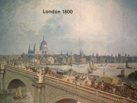 sursa imaginii https://www.tripadvisor.co.uk/LocationPhotoDirectLink-g186338-d189048-i145906356-London_Transport_Museum-London_England.html
