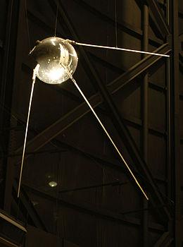 sursa imaginii https://en.wikipedia.org/wiki/Sputnik_1