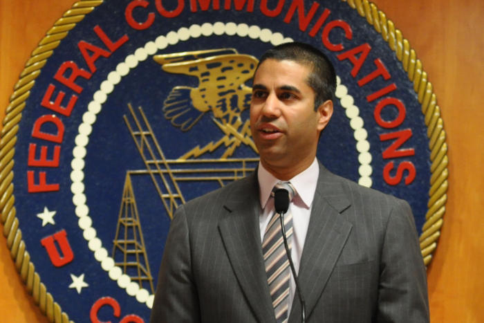 sursa imaginii https://www.pcworld.com/article/3160833/government/trump-names-net-neutrality-foe-ajit-pai-to-lead-the-fcc.html