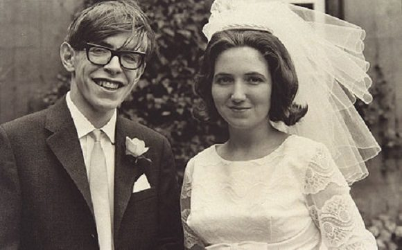 sursa imaginii http://www.wisefacts.info/interesting-facts-stephen-hawking/