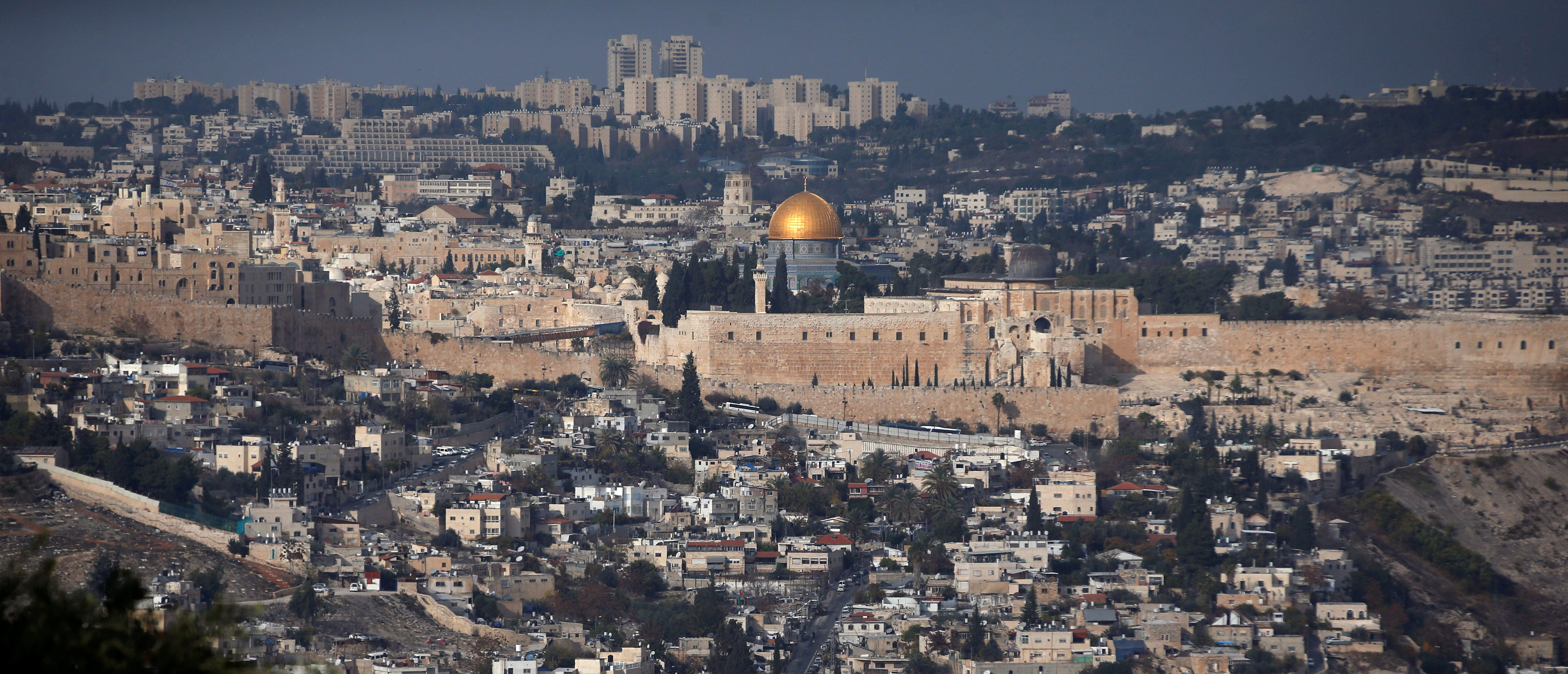 sursa imaginii https://www.brookings.edu/blog/markaz/2017/12/05/why-is-trump-about-to-declare-jerusalem-the-capital-of-israel/