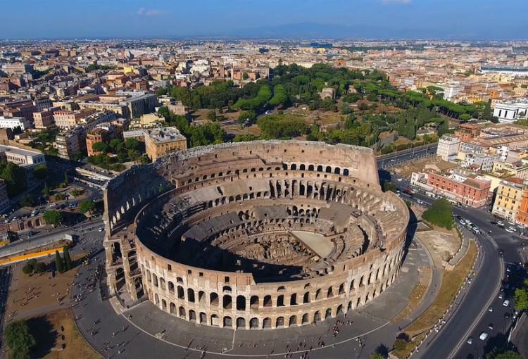 sursa imaginii https://www.livitaly.com/tour/colosseum-underground-ancient-rome-tour/